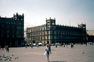 14-12-95 - At the Zócalo