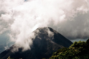 29-12-95 - Volcano clothed by clouds