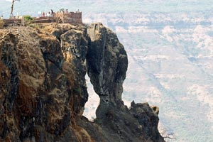 12-03-16 - Impressive rock Elephants Head (Old Mahabaleshwar)